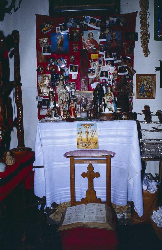 Bartstuff: New Orleans Voodoo museum